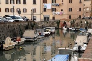 Livorno, giro dei fossi in battello